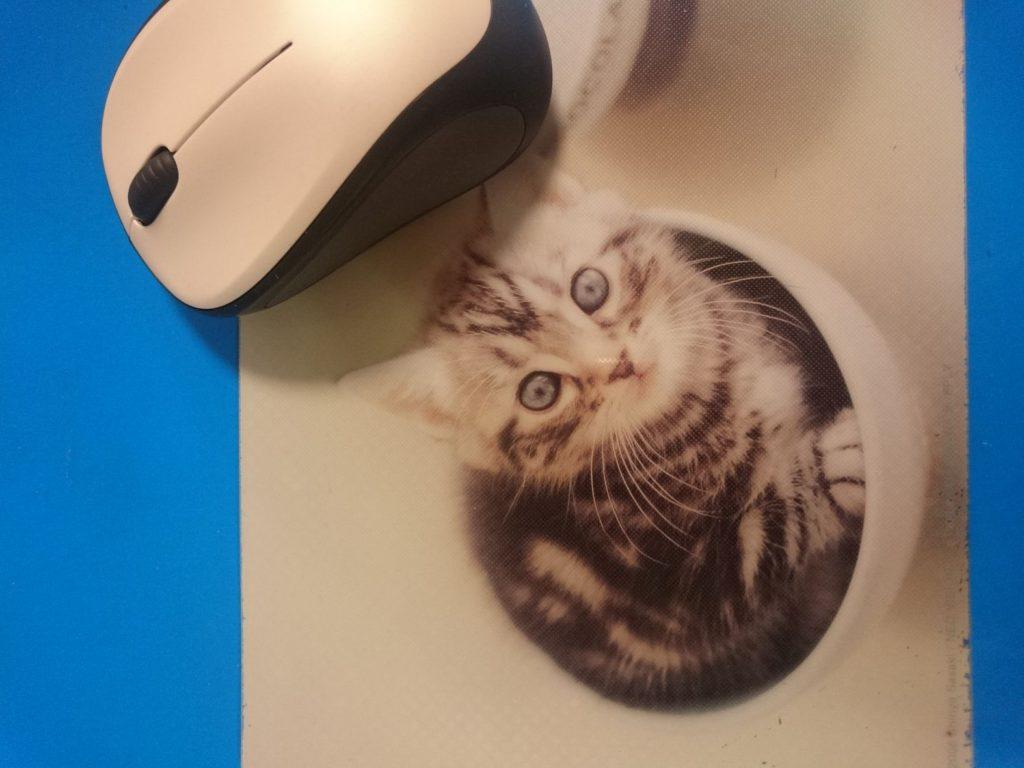 猫マウスパッド